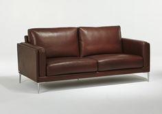 Le canapé Auteuil incarne parfaitement les valeurs de Burov, fabricant français de canapés haut de gamme. En alliant la modernité, la qualité des finitions et le confort. Vous retrouverez ce produit sur le site internet d'Imagine Outlet.