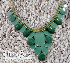 Maxi Colar Verde com Pedras Verde Leitosa e Strass R$ 88,00