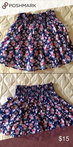 floral skirt new, never worn & still has tag. NO TRADES, please don't ask! make me an offer! 💓 Charlotte Russe Skirts Mini