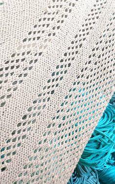 Helppo merinovillainen huivi + OHJE Knitted Shawls, Crochet Scarves, Neck Warmer, Tweed, Beige, Handicraft Ideas, Knitting, Crocheting, Accessories
