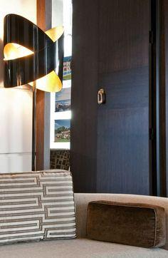 the style saloniste: Bravo Jean-Loius Deniot John Taylor, Jean Louis Deniot, Interior And Exterior, Interior Design, Door Handles, Art Deco, Paris Rue, House Styles, Top Designers