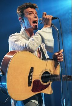 David Bowie performs on stage at Paradiso, Amsterdam, Netherlands, 10th June 1997 (Tao Jones Index).