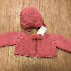 This Pin was discovered by Pat Baby Knitting Patterns, Knitting For Kids, Crochet Blanket Patterns, Sewing For Kids, Knitting Designs, Knitted Baby Cardigan, Knitted Baby Clothes, Knit Or Crochet, Crochet Baby