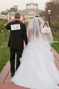 The Most Popular Wedding Photos | Wedding Planning, Ideas & Etiquette | Bridal Guide Magazine