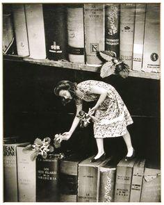 "Grete Stern love love love - ""the book fairy!"""