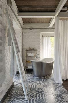 Patterned Tile - ELLEDecor.com