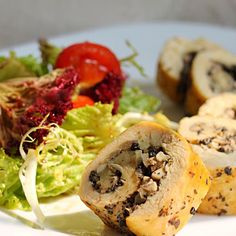 レシピとお料理がひらめくSnapDish - 125件のもぐもぐ - Chicken Ballantine stuffed with mushroom & truffle paste by Missty