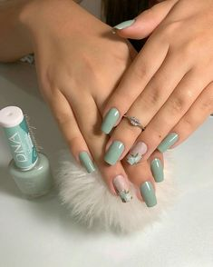 Nail styles or nail art is an extremely straightforward idea - patterns or art currently in use to beautify the finger or toe nails. They are utilized predominately to showcase an outfit or brighten an everyday look. Chic Nails, Stylish Nails, Trendy Nails, Classy Nails, Toe Nails, Pink Nails, Nail Nail, Nail Polish, Nagellack Design