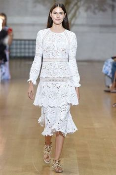 Oscar de la Renta  SS 2017 Fashion Show & More Fashion Details