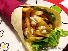 Piadine Kebab farcite: ricetta light da fare a casa. Piadine farcite con pollo alla piastra, lattuga, pomodori e patate al forno. Calorie, Procedimento Foto