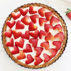 Strawberry & Cream Sweet-tart made with yogurt and topped with heart-shaped strawberries - perfect for Valentine's Day dessert ! Trifle, Vegan Desserts, Dessert Recipes, Dessert Tarts, Full Fat Yogurt, Strawberry Tart, Valentines Day Desserts, Dairy Free Options, Sweet Tarts