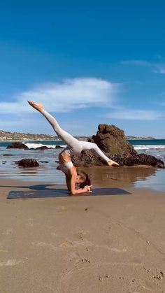 Kundalini Yoga, Yoga Meditation, Fitness Workout For Women, Yoga Fitness, Health Fitness, Yoga Videos, Workout Videos, Yoga Sequences, Yoga Poses