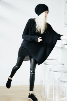 figtny.com | outfit • 27 Helmut Lang sweater / Aritzia rebelle legging / Nike Free