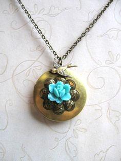 Blue Rose Locket Necklace  Vintage Style  Mothers par botanicalbird, $24,00