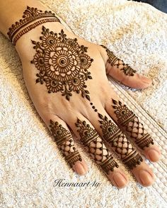 Mehndi henna designs are always searchable by Pakistani women and girls. Women, girls and also kids apply henna on their hands, feet and also on neck to look more gorgeous and traditional. Dulhan Mehndi Designs, Mehandi Designs, Arte Mehndi, Henna Flower Designs, Henna Tattoo Designs Simple, Finger Henna Designs, Mehndi Designs For Beginners, Bridal Henna Designs, Flower Henna