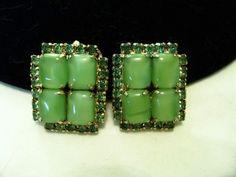 D&E JULIANA Vintage 1960s Green Cushion Rhinestone Glass Gold Plate Earrings #JULIANA #Vintage