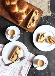 http://theitaliandishblog.com/imported-20090913150324/2015/3/27/chocolate-cinnamon-babkallah.html