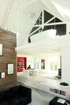oude boerderij verbouwd tot een modern licht en ruimtelijk huis.