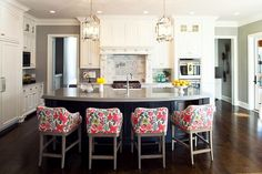 Martha O'Hara Interiors - kitchens - Benjamin Moore - Valley Forge Tan - gray walls, gray wall color, hardwood floors, L-shaped kitchen, whi...