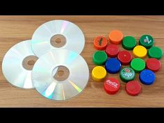 Cool idea with plastic bottles caps you should know DIY arts and crafts DIY idea bottle bottle caps ideas out of waste Old Cd Crafts, Diy Crafts To Do, Diy Arts And Crafts, Recycled Crafts, Recycled Cds, Plastic Bottle Caps, Plastic Bottle Flowers, Bottle Cap Art, Art Cd