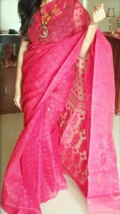 Bangladeshi jamdani tomato red saree Best Indian Saris Click above VISIT link for more details Indian Attire, Indian Wear, Indian Outfits, Dhakai Jamdani Saree, Handloom Saree, Plain Saree With Heavy Blouse, Indian Silk Sarees, Saree Photoshoot, Red Saree