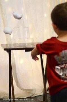 Snowball Toss Game for the Frozen Party!  #frozenbirthday #disneysfrozen