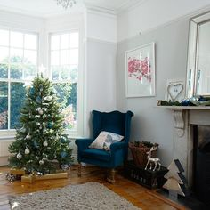 Country Christmas living room with elegant festive décor