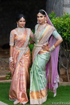 Lots Of Eye Pleasing Details At This Wedding Extraordinaire Bridal Sarees South Indian, South Indian Bridal Jewellery, Indian Bridal Outfits, Indian Bridal Fashion, Indian Bridal Wear, South Indian Bride, Indian Sarees, Bridal Jewelry, Diamond Jewellery Indian