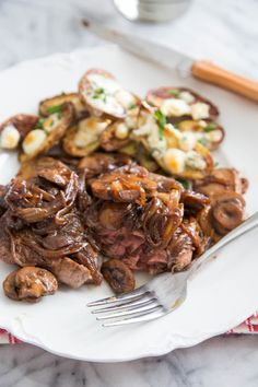 Steak with Drunken Mushrooms, Caramelized Onions & Roasted Blue Cheese ...