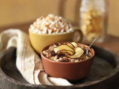 Panera's steel cut oats topped w/cinnamon crunch topping, dried cherries, thinly sliced apple and almond slivers. Breakfast Lunch Dinner, Breakfast Recipes, Breakfast Ideas, Steel Cut Oatmeal, Cinnamon Crunch, Apple Oatmeal, Apple Chips, Panera Bread