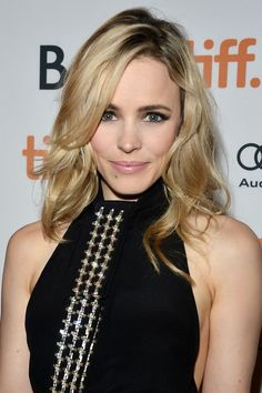 10 Celebs Who Look Better With Dyed Hair: Rachel McAdams Bradley Witham Rachel Mcadams Blonde, Rachel Anne Mcadams, Rachel Macadams, Beauté Blonde, Tips Belleza, Cute Hairstyles, Hair Makeup, Nude Makeup, Nude Lip