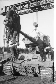 "Fronts repair Russland, Panzer VI ""Tiger I"""