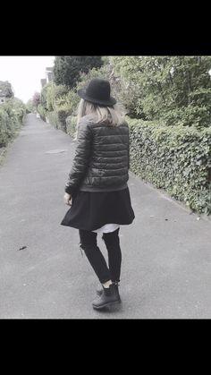 ..Und vergiss nicht außergewöhnlich zu sein. 🖤#hatlove #fashionphotography  #fashion #Inspiration #me #portrait #showwhatyoulove #likes #follownow #instadaily #instalikes #outfitinspiration #potd #blogger #whatiwore #myoutfit #justrememberblog #inlovewithfashion #follow #like #streetstyle #hashtag #panasoniclumix #naturelover