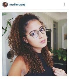 Penteado meio preso para cabelo cacheado. Mari Morena. Curly Hair.