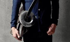 Jarre Technologies, fundada por el mito de la música Jean Michel Jarre, su altavoz AeroTwist tiene un diseño incrible, lo puedes acoplar a tu bolso, tu bici o d