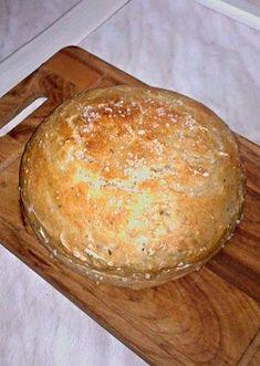 Další levný recept Ládi Hrušky, tentokrát na chutný domácí chléb. Pan Bread, Bread Baking, Bread And Pastries, Food To Make, Food And Drink, Dairy, Cheese, Homemade, Cookies