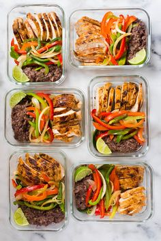 Healthy chicken fajitas meal prep recipe 300 calorie meals з Lunch Meal Prep, Meal Prep Bowls, Easy Meal Prep, Easy Meals, Low Calorie Meal Prep Lunches, Budget Meal Prep, Liw Calorie Meals, Healthy High Calorie Meals, Low Calorie Chicken Meals