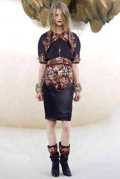 chanel haute couture 2004 | makingislands:chanel haute couture fall 2010