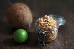 Beauty DIY: Pfefferminz-Limetten-Fußbad und Kokos-Limetten-Fußpeeling mit braunem Zucker