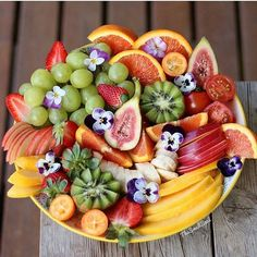 "Salads Inspired by Spring ""Juicy Couture"" Colors and beautiful fruit salads.Colors and beautiful fruit salads. Fruit And Veg, Fruits And Veggies, Fresh Fruit, Healthy Fruits, Healthy Drinks, Healthy Recipes, Healthy Meals, Healthy Food, Juicy Couture"