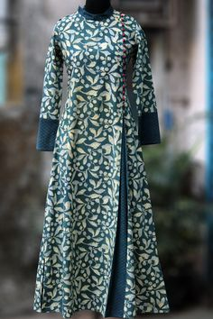 a stunning mughal-styled high collardress in indigo-yellow print & fabric potlibuttons! main fabric: 100% handblock printed fabric from natural dyesfro