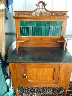 Super and rare Mintons China Wks slim tiles c1906 fitted within the Edwardian wash stand, splash back
