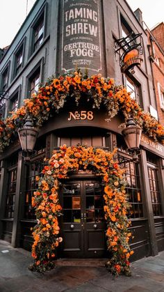 Autumn Aesthetic, Flower Aesthetic, Travel Aesthetic, Aesthetic Drawing, Aesthetic Style, Autumn Photography, London Photography, Travel Photography, Photography Flowers