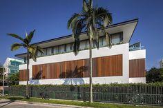 Sunny Casa de lado a Wallflower Architecture + Design