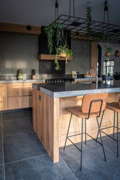 Keuken Spijkerboor - NB Interieurwerken - Lilly is Love Kitchen On A Budget, Kitchen Living, New Kitchen, Rustic Kitchen, Kitchen Decor, Kitchen Cabinets Before And After, Simple Kitchen Design, Fixer Upper Kitchen, Cuisines Design