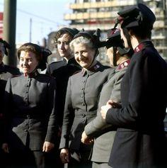 Vrouwen van het Leger des Heils met de kenmerkende hoedjes, Nederland, 1965.