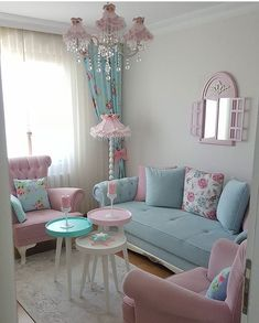Cozy and Colorful Pastel Living Room Interior Style 28 Pastel Living Room, Shabby Chic Living Room, Cozy Living Rooms, Shabby Chic Homes, Home Living Room, Living Room Designs, Living Room Decor, Shabby Chic Apartment, Shabby Chic Interiors