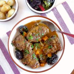 Cheeks are on the menu today. Pork cheeks, a cut of meat that I learned to love only a few years ago. That was on a visit to Sierra de Arace...