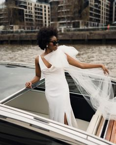 We're pretty sure the definition of 'cool bride' is speeding along the Thames, bow billowing behind you, sunglasses on, Rebecca Searle behind the camera 😎 Speedboats thameslimo Hair and Makeup botiashairandmakeup Earrings botiasaccessories Dress sallybeancouture Awesome Definition, Creative Wedding Photography, Speed Boats, My Images, Hair Makeup, Bow, Bride, Sunglasses, Formal Dresses