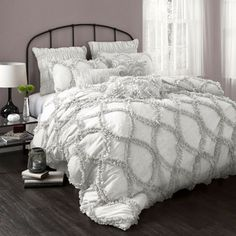 Great bedding site, most sets under $100.